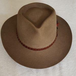 "Akubra ""Stockman"" hat"